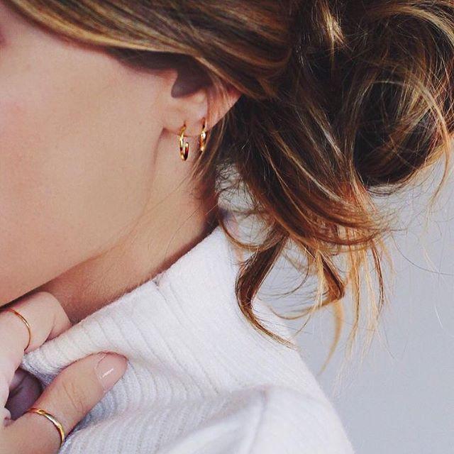 Instagram media by paintbyjaz - Double/triple lobe piercing inspo 👂🏼✨ #earrings #piercings #earpiercings #hoops #studs #pinterest #inspiration #comingsoontotruffle