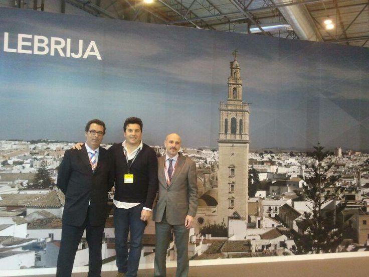 DESTINO LEBRIJA junto a JuanMa Alcón y Manuel Martínez de la Manuela Copas. Enhorabuena por la consecusión de la Q Turística de Calidad.