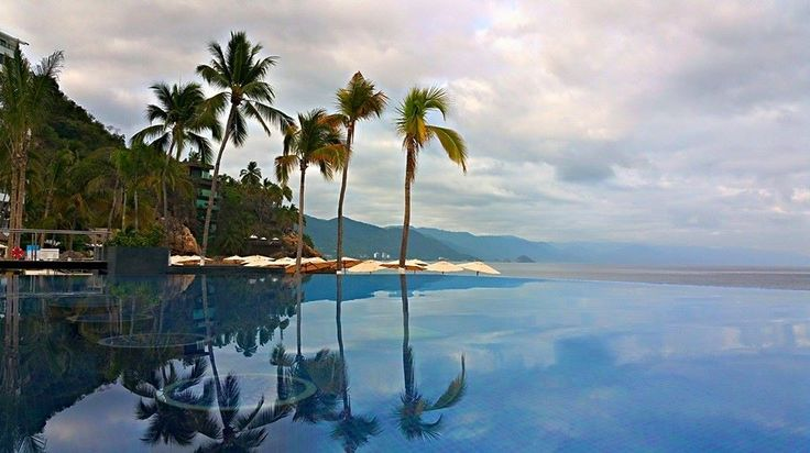 Hyatt Ziva Puerto Vallarta. Photo via Steve Benkowitsch‎