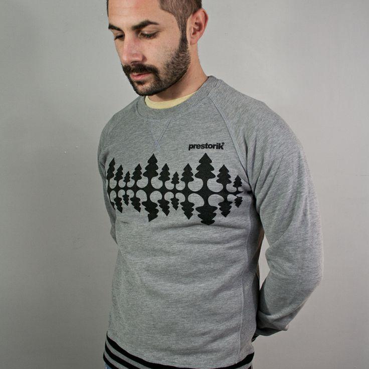 Minimal Pineta è ispirata alle  #t-shirt che ricordano #spiagge e #palme...beh.. minimal pineta rimanda immediatamente ai #boschi e al #paesaggiomontano .  Felpa girocollo pesante 330g - 80% cotone 20% poliestere - q.tà extra