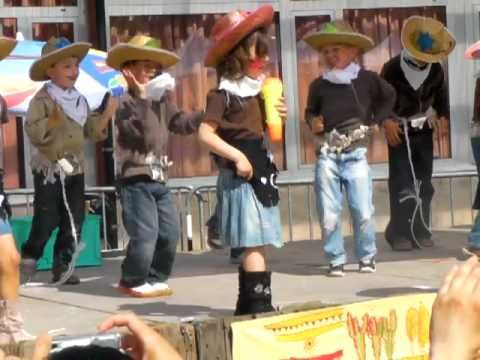 ▶ spectacle école (cow boy) - YouTube