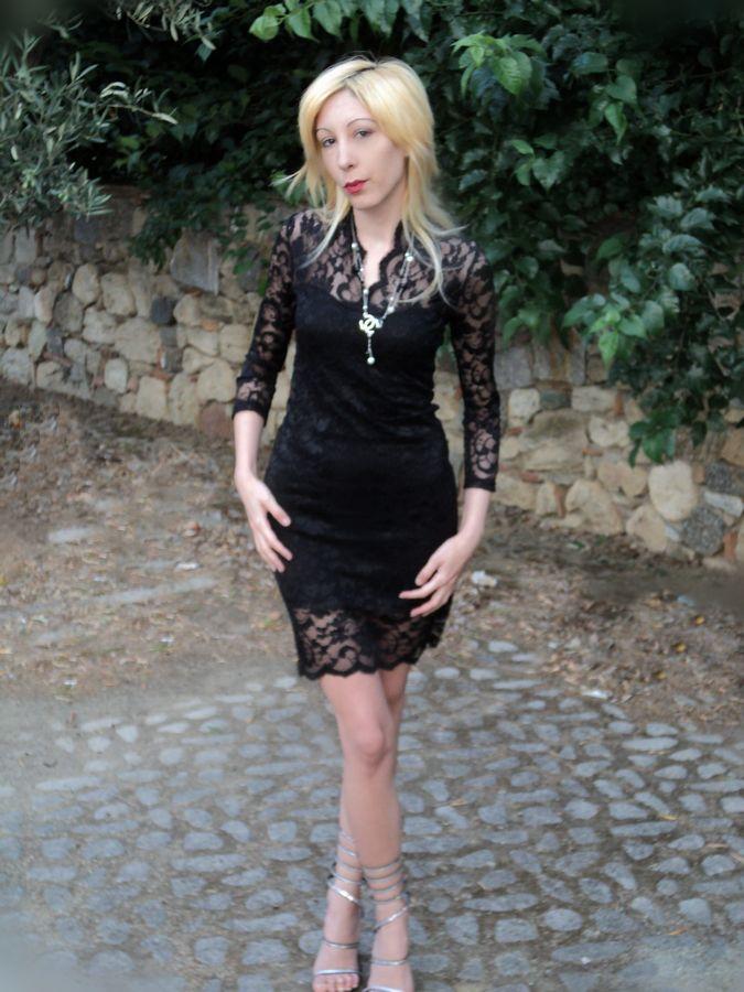 http://tr3ndygirl.com/a-sensual-lace-dress-loriblu-shoes/ @MayKool @Loriblu  @CHANEL