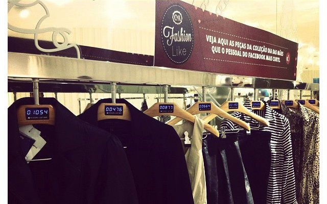 Real-time Facebook 'likes' displayed on Brazilian fashion retailer's clothesracks