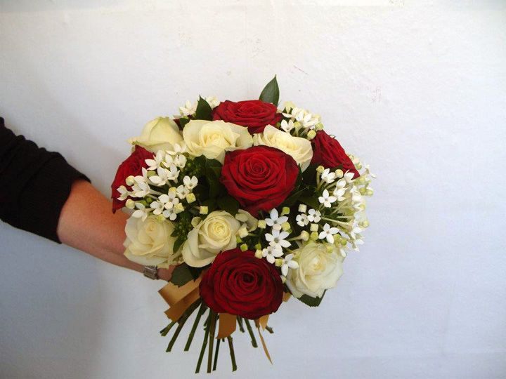 Red And Cream Rose Wedding Bouquet Google Search