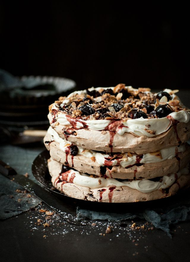 Honeycomb, chocolate and almond pavlova