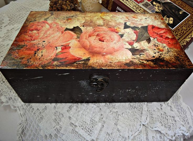 Decoupage box. You can find me on facebook: https://www.facebook.com/Crishdm