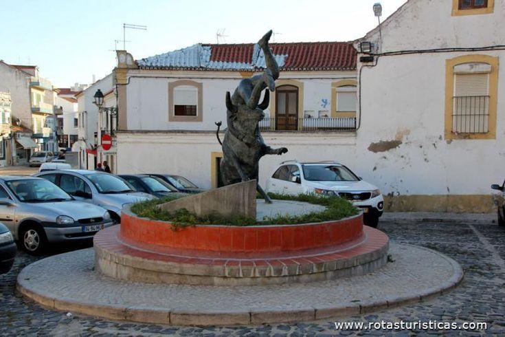 Monumento ao Forcado, Alcochete   Alcochete / Setubal / Portugal