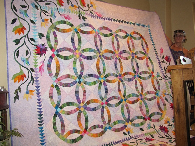 wow! this is one impressive quilt!