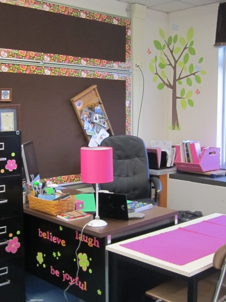 Teacher's desk, where'd she get that trim?