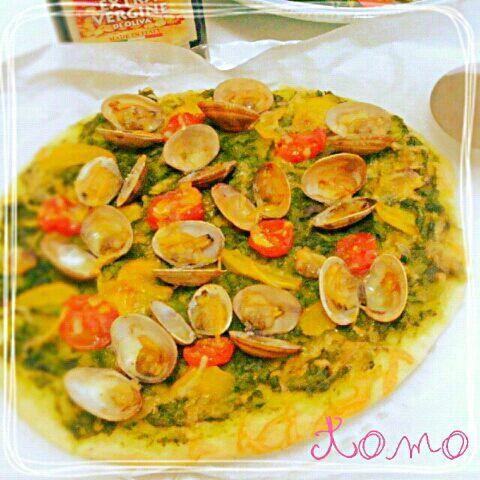しかさんの春ピザに一目惚れ~(*´-`) 早速お休みの日に♪菜の花アンチョビソースが美味しくて 春を感じるピザになりました(´∇`)アサリと パプリカ、トマトも一緒に。 しかさん、素敵なレシピありがとう♪ヽ(´▽`)/ - 349件のもぐもぐ - shikanoさんのアンチョビ菜の花ソースと浅利の春ピッツァ蝶の舞 by macaronT