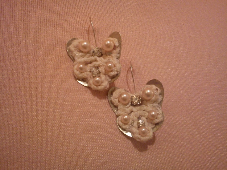 butterfly metal earrings, ribbon, pearls and strass