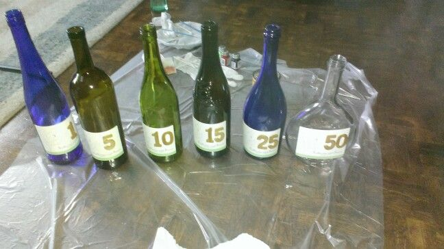 """""""Message in a bottle"""" wedsing time capsules. Leave us a message and we'll read it on the aniversary on the lable."""