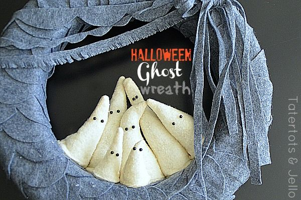 """Learn how to make this """"boo""""-tiful ghost wreath from Tatertots and Jello!"""