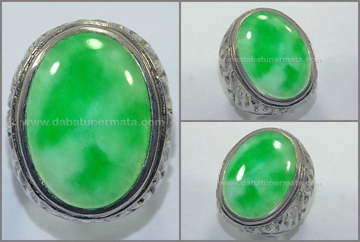 Beautiful Vivid Green Apple and White Snow GIOK Burma - JD 054