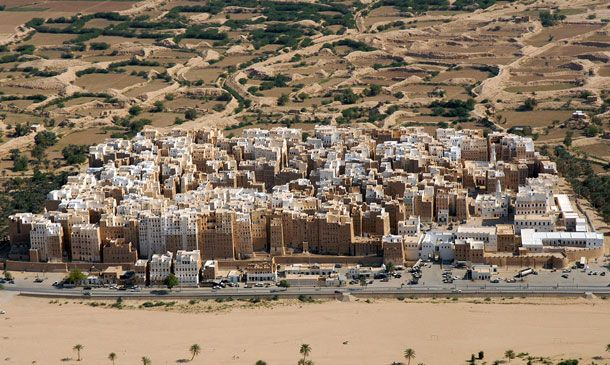 15-Amazing-Cities-Around-The-World-Viewed-From-High-Above-14