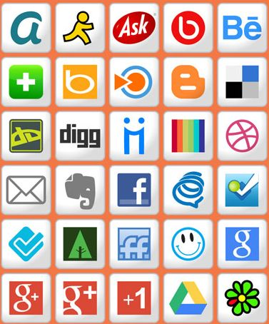This free set of social networking icons has 100 icons in 4 different sizes for you to choose from.