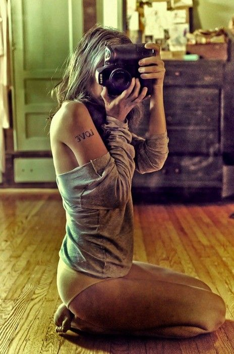 a namorada do fotógrafo.