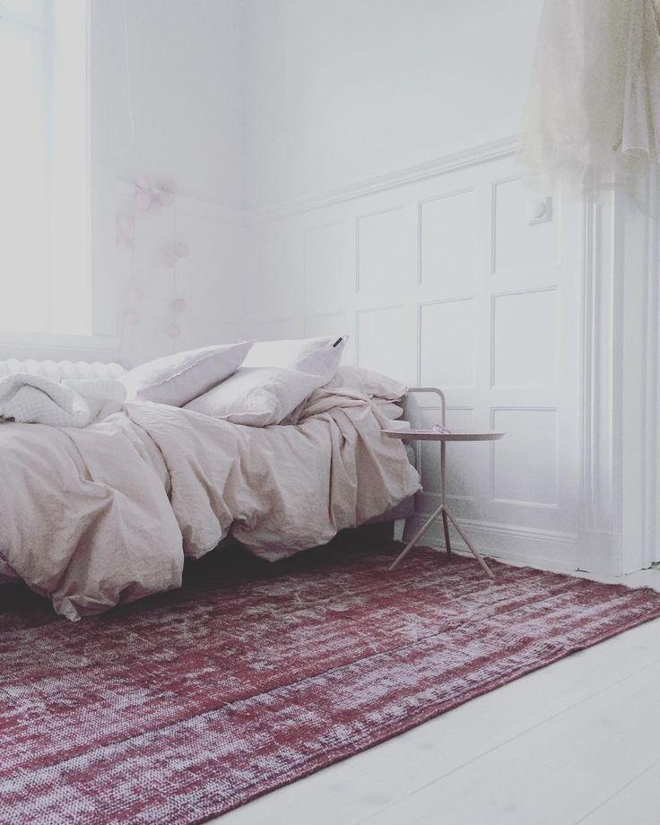 """nadja mini helminen on Instagram: """"nelli, mamma köpte en sisådär åttio år gammal reloaded marockansk matta till dig. men du bryr dig inte nej?"""""""