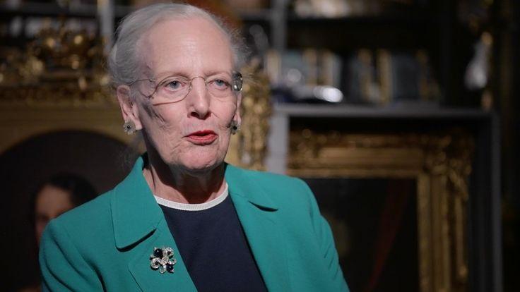 Ikke kun dronning Margrethe, men især også hendes kongelige forfædre, har gemt sjove, spændende og historierige ting og sager i pulterrum og i kældre. Billed-Bladets Trine Larsen mødte dronningen til en snak om de kongelige gemmer.