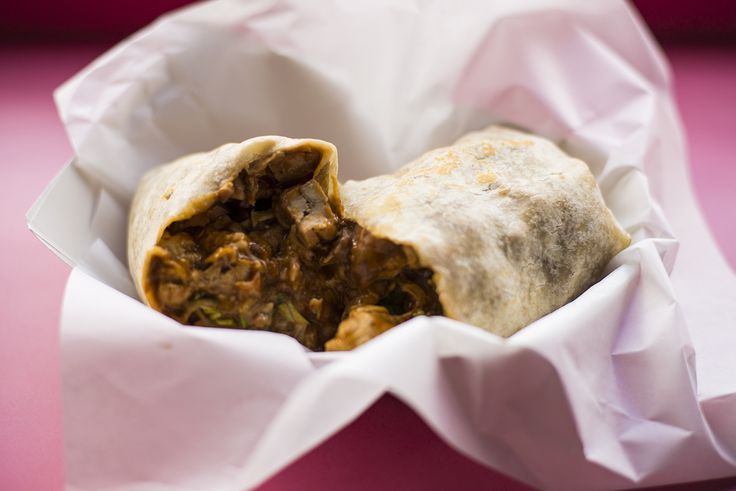 """We loved the """"fresh"""" style of Jamito's Burritos. These are not the 3 pound rice-filled monsters you get at Chipotle, but more of a layered burrito filled with classic vegetables and great meat. http://chicago.menupages.com/restaurants/jaimitos-burritos/ #chicagoeats #resturantblogs #chicagofoodies"""