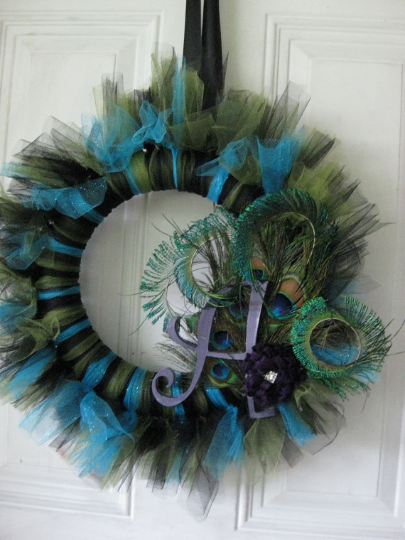 peacock wreath @Tiffany curry Bergen this would be perfect for you