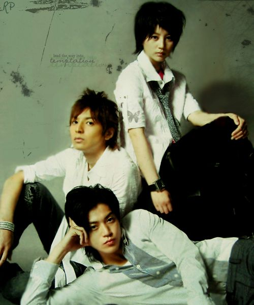 Hana Kimi. So this also began my CONSTANT second lead syndrome. I mean, I liked Sano well enough. Shun Ogiri is totally hot. But I liked Nakatsu as a character wayyy better.