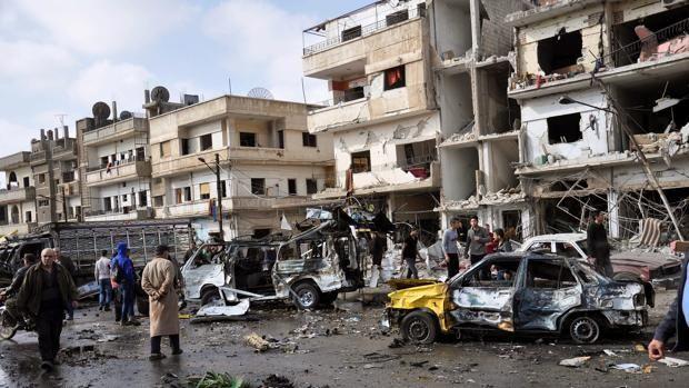 Daesh castiga con 50 latigazos a quienes tengan antena parabólica en Siria  El Observatorio Sirio de Derechos Humanos apuntó que ha sabido del caso de varias personas que han recibido estas sanciones en esa región  Imagen de un atentadoyihadista en la ciudad siria de Homs