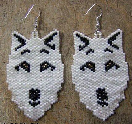 Lupo Bianco orecchini fatti a mano seme nativo in rilievo ispirato