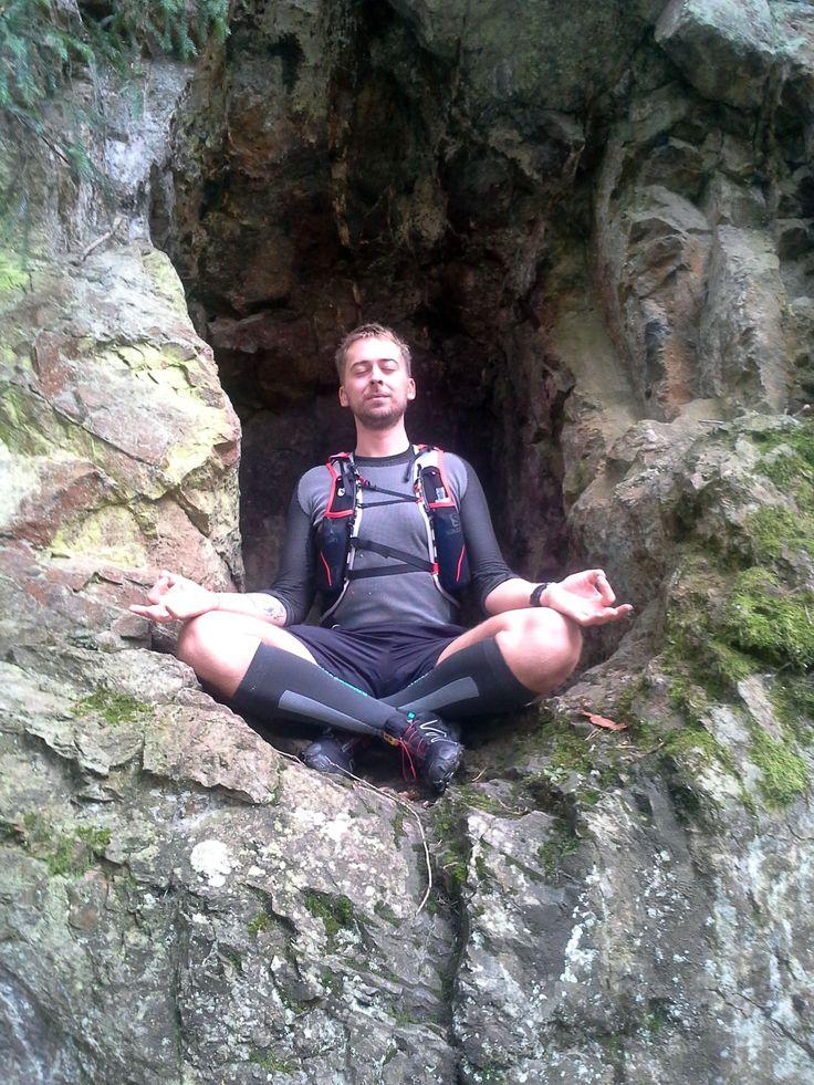 Zklidněn v meditaci ....