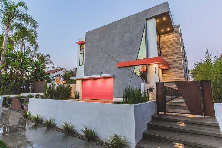 Colorful House in Los Angeles by Apel Design