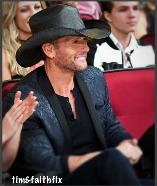 Here's to a beautiful, McGraw Monday.. She married a music man.❤️