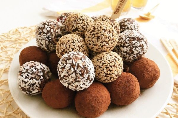 Healthy Date Truffles - No Coook