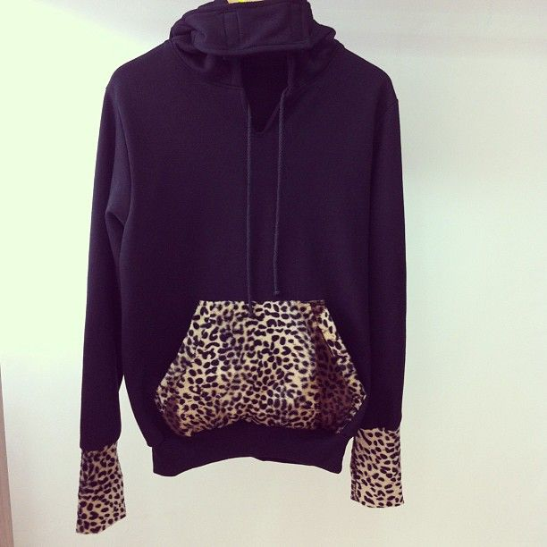Animal print hoodie<3 uhmmm this needs to get into my closet, uhmmmm NOW!