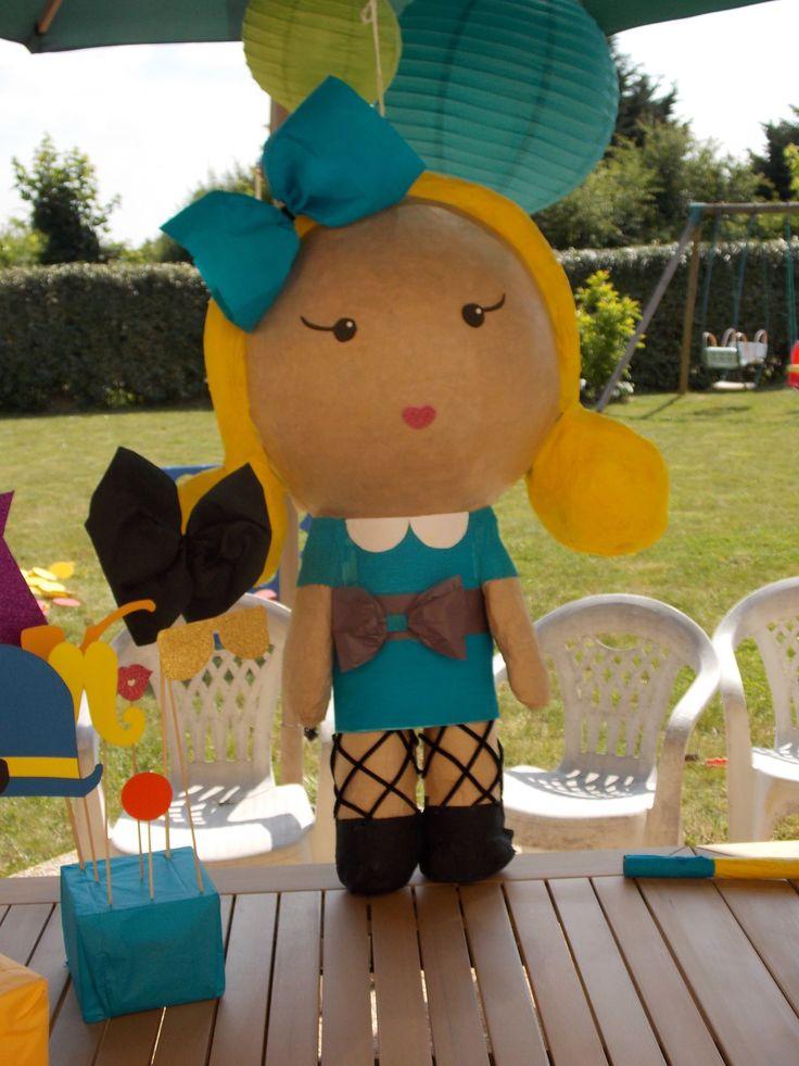 Pinata Poupeé blonde style harujuku : Jeux, jouets par mommydo