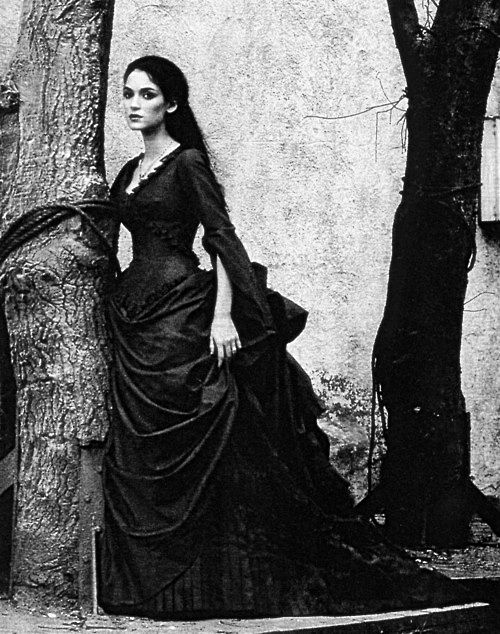 #WinonaRyder as #MinaMurray / #Elisabeta in the 1992 film #BramStoker's #Dracula