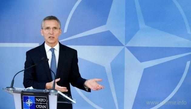 В связи с мощными кибератаками России, которым подверглась накануне Украина, НАТО усилит сотрудничество с Украиной в этой сфере.  Об этом заявил в среду Генеральный секретарь НАТО Йенс Столтенберг, сообщает корреспондент Укринформа в Брюсселе.  «Я думаю, что кибератаки, которые мы видели на этой