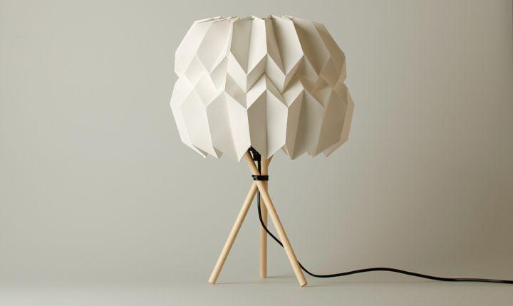 """Origami Lampe """"Mariko""""    Tischlampe aus Holz und Papier, eine selbsttragende Konstruktion.   http://weekdags.de/portfolio/Lampe/Lampe.html"""