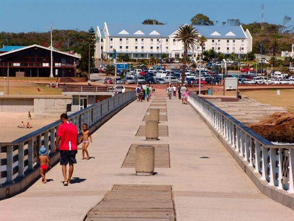 Road Lodge Hotel as seen from the Boardwalk in Port Elizabeth (2009)