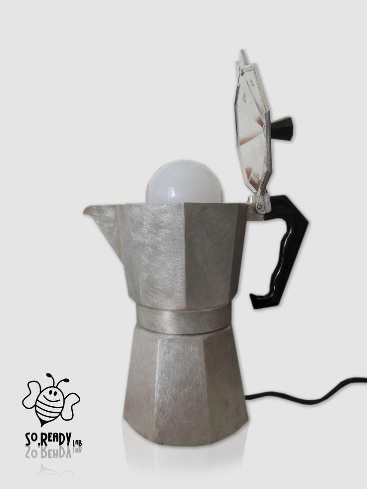 """MokaLamp"" -  Lampada da tavolo, realizzata con #caffettiere #moka #ecodesign #ecolamp #soreadystyle #upcycle #recycle #riciclocreativo - di So.Ready Lab - soreadylab.etsy.com"