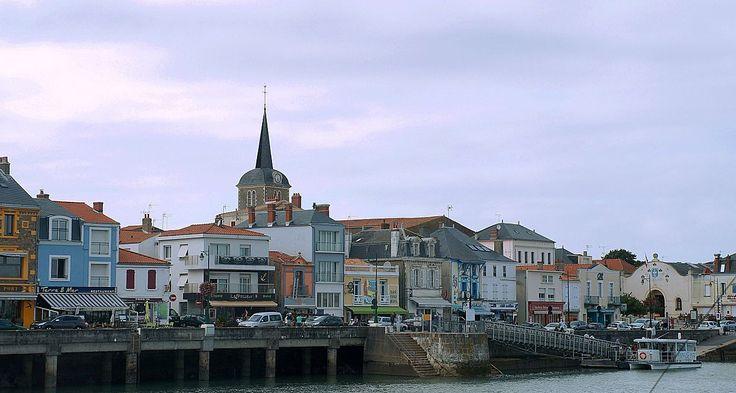 Les Sables d'Olonne vues du chenal et du port (6) - Les Sables-d'Olonne — Wikipédia