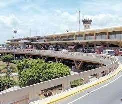 Resultado de imagen para aeropuerto las americas.  cuando terminaron mis vacaciones en colombia retorne a mi pais, me recibo mi madre y duramos una hora en un tapon