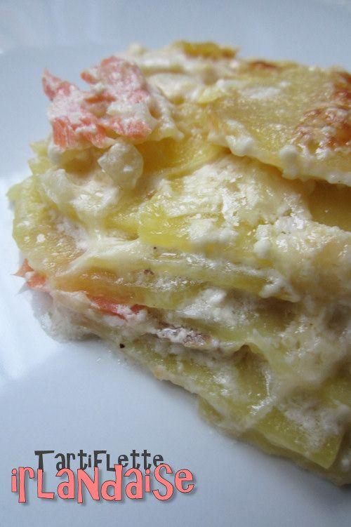 Tartiflette irlandaise saumon/conté - 1kg de pommes de terre - 1/2 ou 1 oignon - 200g de comté - 4 ou 6 tranches de saumon ou de truite fumée - 50 cl de crème fraîche - poivre