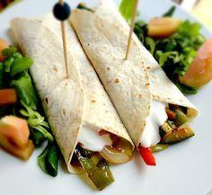 cocinaros: Fajitas Mexicanas de verduras  http://cocinaros.blogspot.com/2012/07/fajitas-mexicanas-de-verduras.html