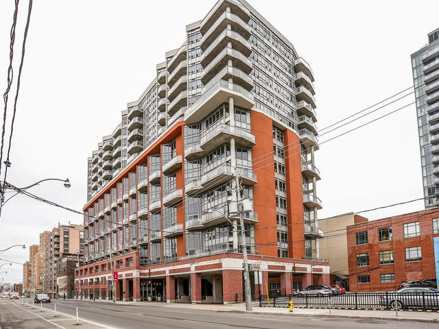 Just Listed- $449,900. Check out my new listing. A downtown renovated Condo. Steps to the St Lawrence Market. Great Building & Location. Won't last long at this price. Message me for more details , or to set up a viewing.