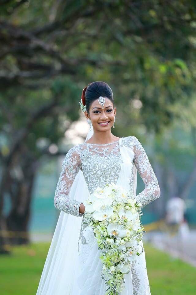 12 best sri lankan brides images on pinterest indian for Sri lankan wedding dress