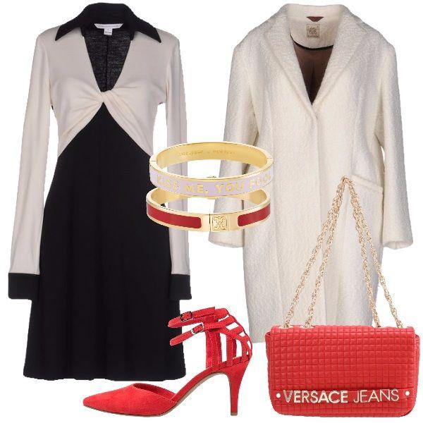 Il color rosso delle scarpe scamosciate con cinturini alla caviglia e parte posteriore particolare insieme alla tracolla Versace jeans ravvivano l'abito nero con finto scaldacuore bianco e cappotto in lana cotta. Due bracciali rigidi in metallo dorato e smalto bianco e rosso conferiranno un tocco in più.