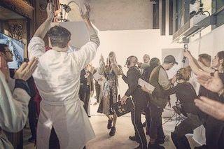 13 отметок «Нравится», 12 комментариев — Claire Sellès (@claire_selles) в Instagram: «Backstage vibes 🙌🏻 #backstage #pfw #menfashionweek #parisfashionweek #maisonmargiela #showtime…»