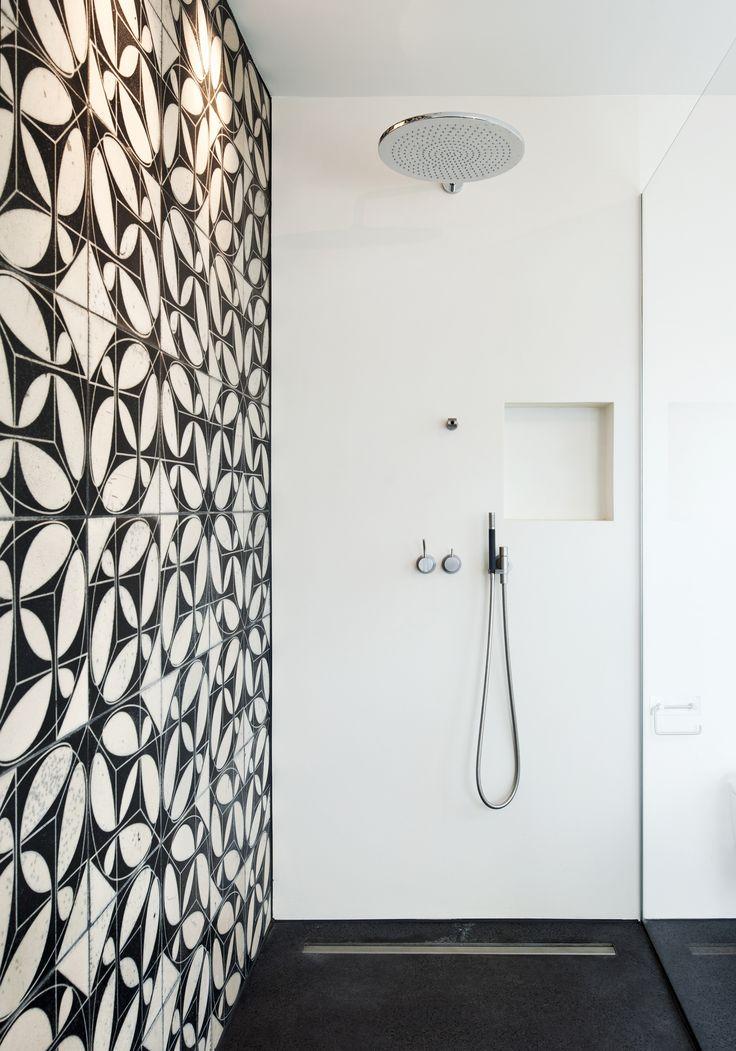 "KARAK designer tiles. KuQua-Flip, ""weiß"" glazing with Raku firing.Haus V, Basel, Switzerland. Architect Vera Gloor, 2010."