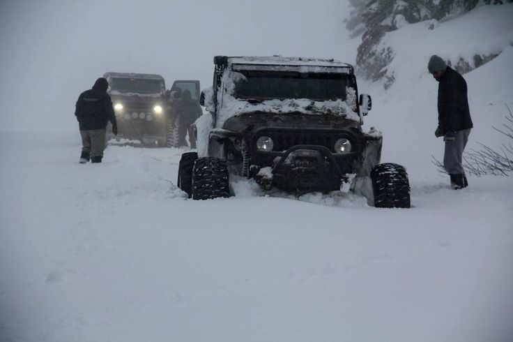 Two Quot Rubikongs Quot Running Some Deep Snow Jeep Wrangler