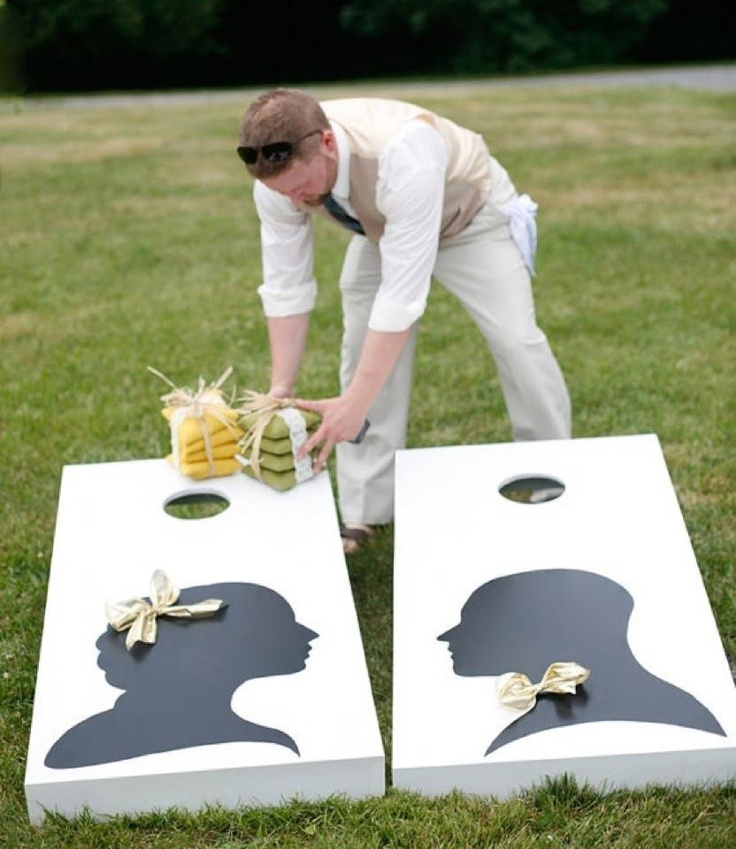 A little wedding-day corn-hole!? This would be so fun on the lawn if they let us!